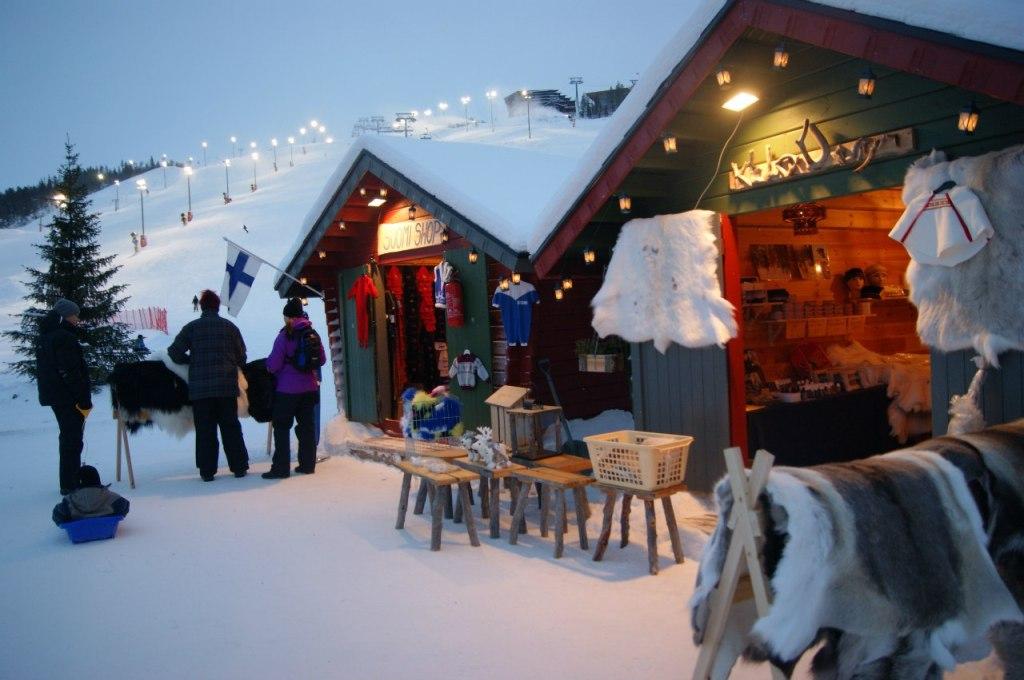 В период праздников в Леви работает рождественская ярмарка