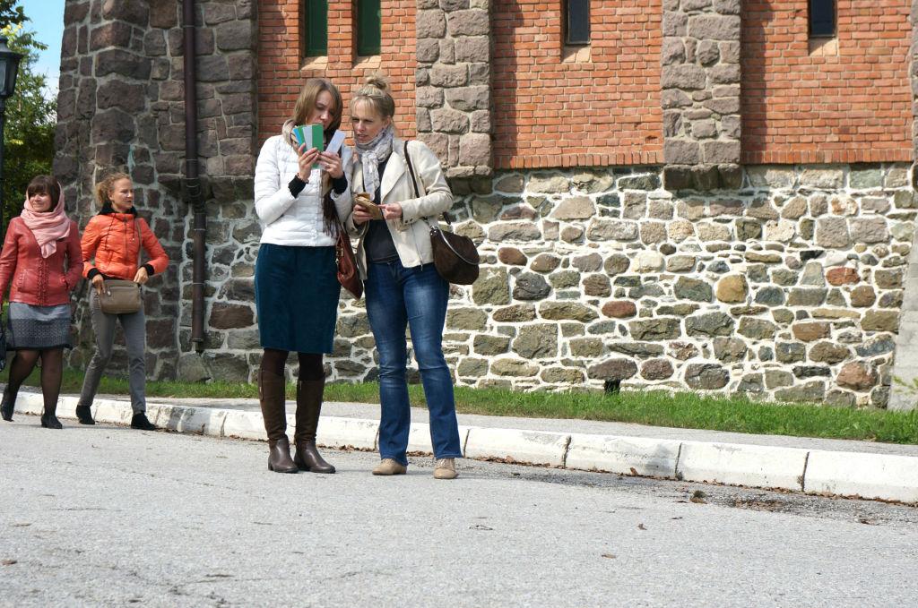 "На фото слева направо: Анастасия Мазанченко (""ВЛП"") и Ирина Самохвалова (""ТрансАэро Турс"")"