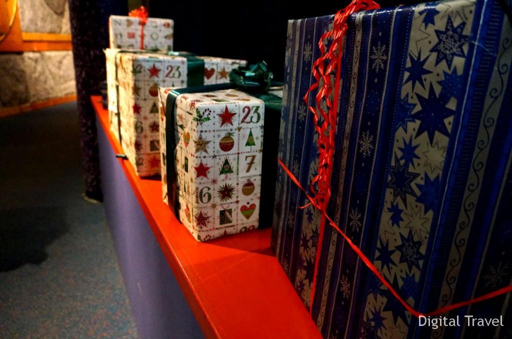 Рассказ эльфа о том, как Санта успевает дарить подарки всем детям на земле. А вы, кстати, в курсе?