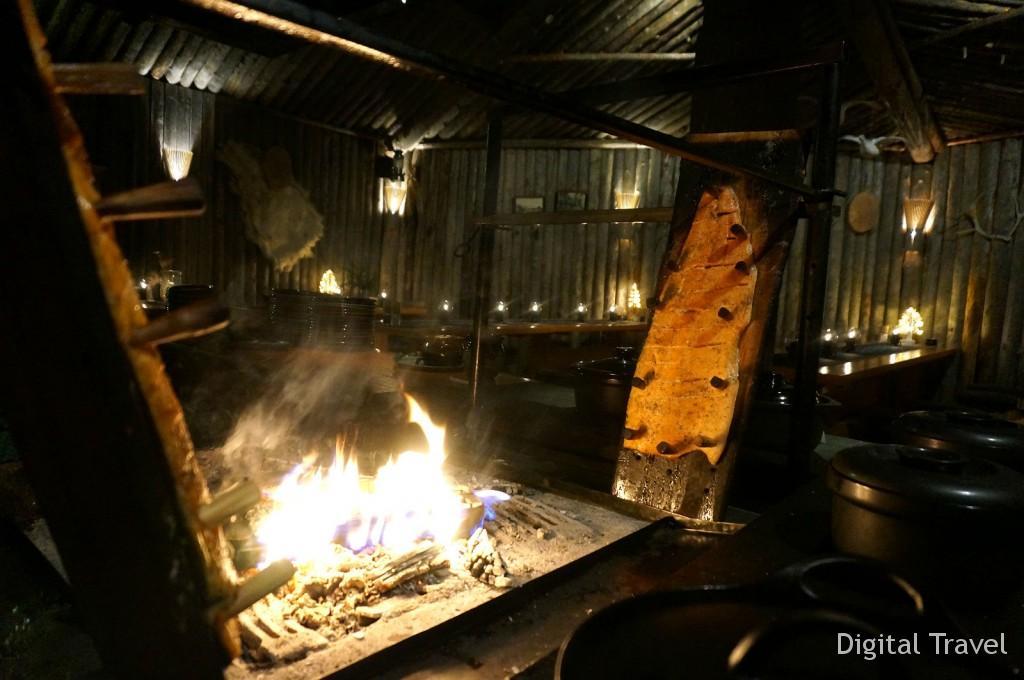 Ужин в традиционном саамском ресторане Saamen Kammi c выступлением шамана и обрядом лапландского крещения в Леви