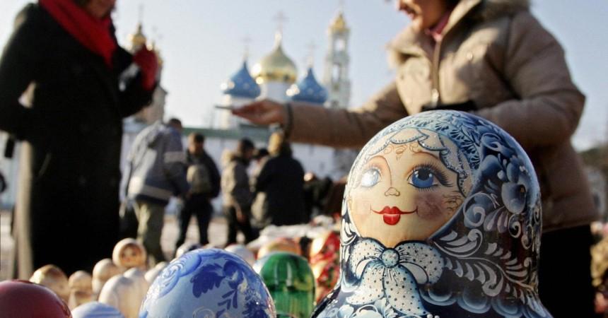 Выездной турпоток из России за год упал на 20%