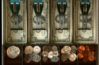 Турфирмам предложили кассы для работы с тремя валютами сразу