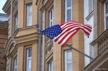 Посольства и консульства США в России прекращают выдачу виз белорусам