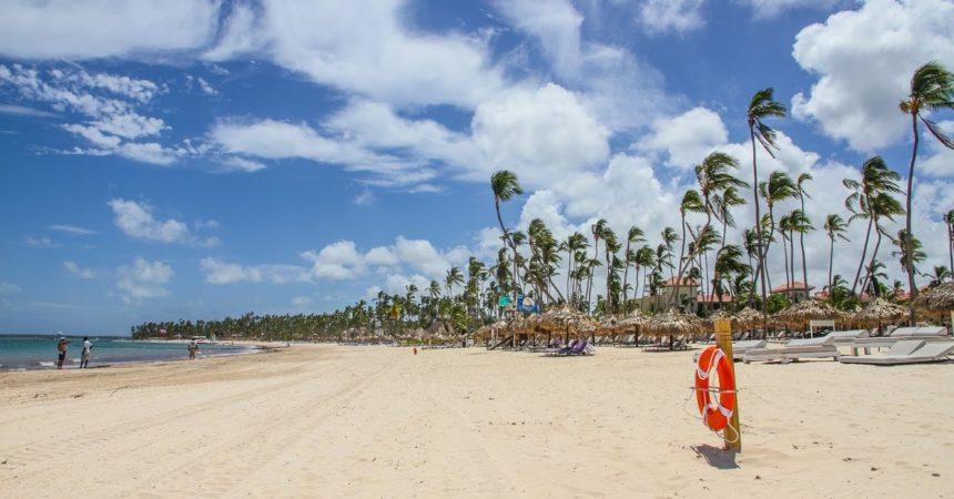 Доминиканская Республика на месяц приостановила авиасообщение со странами Европы