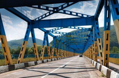 Украина на 2 недели закрывает границу для иностранцев